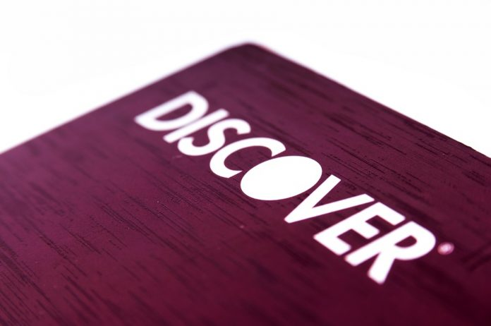 Purple-colored Discover It card zoomed in