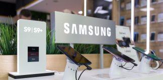 Samsung display with various Samsung Galaxy phones