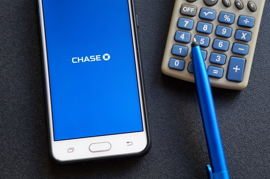 Chase mobile app with calculator and pen